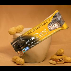 חטיף בריאות טבעוני NuGo Dark – בטעם חמאת בוטנים ללא גלוטן (מארז של 12 יח')